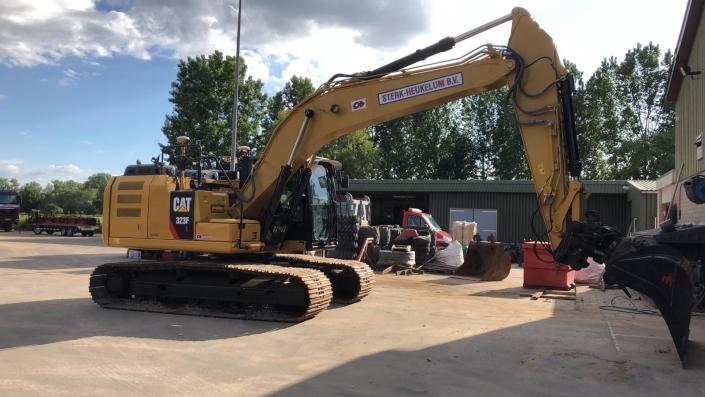 Rupskraan Caterpillar 2017 323FL CAT0323FKNCW10036 Overzichtsfoto 3