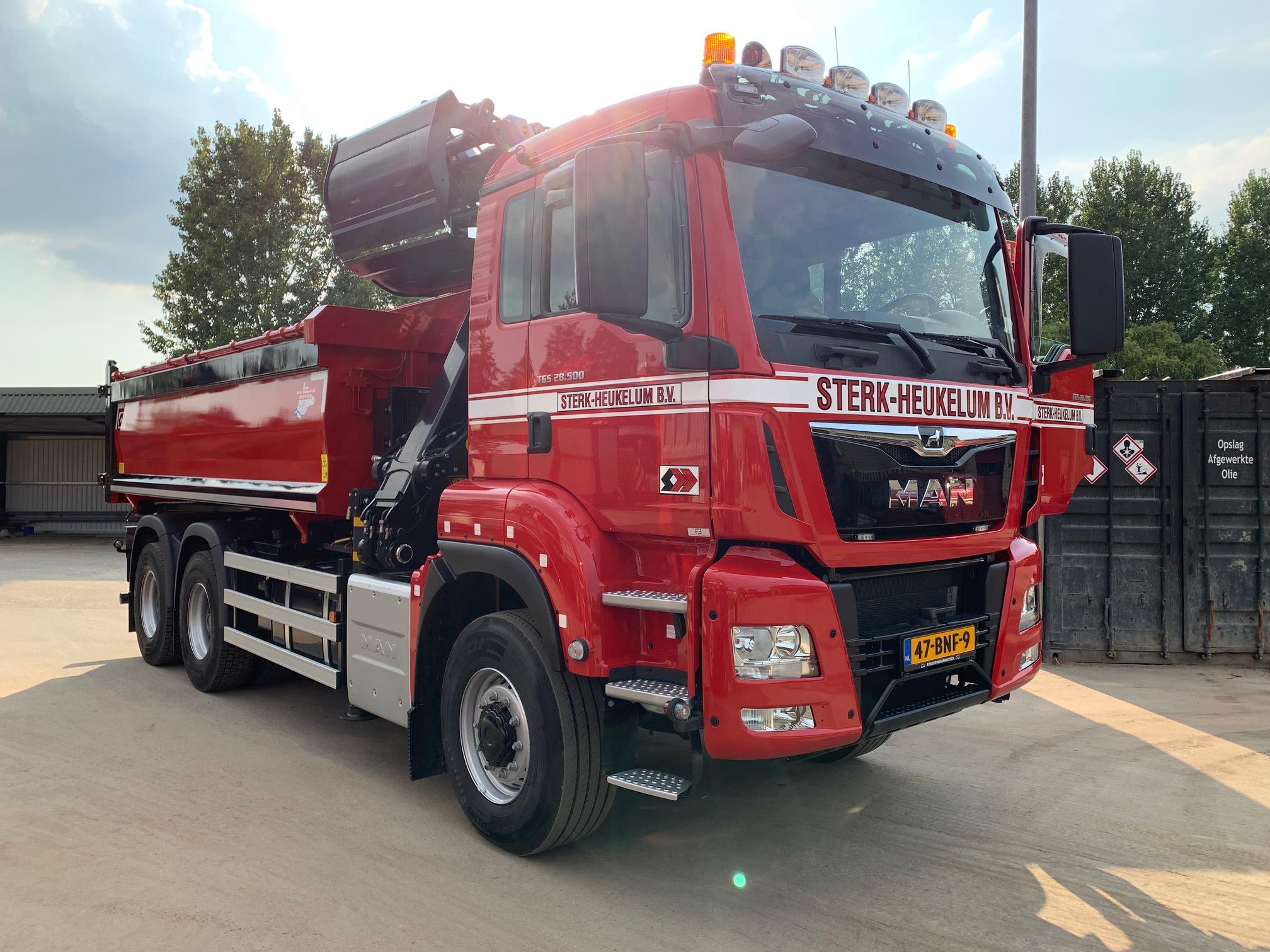 47 BNF 9 Vrachtwagen Overzichtsfoto